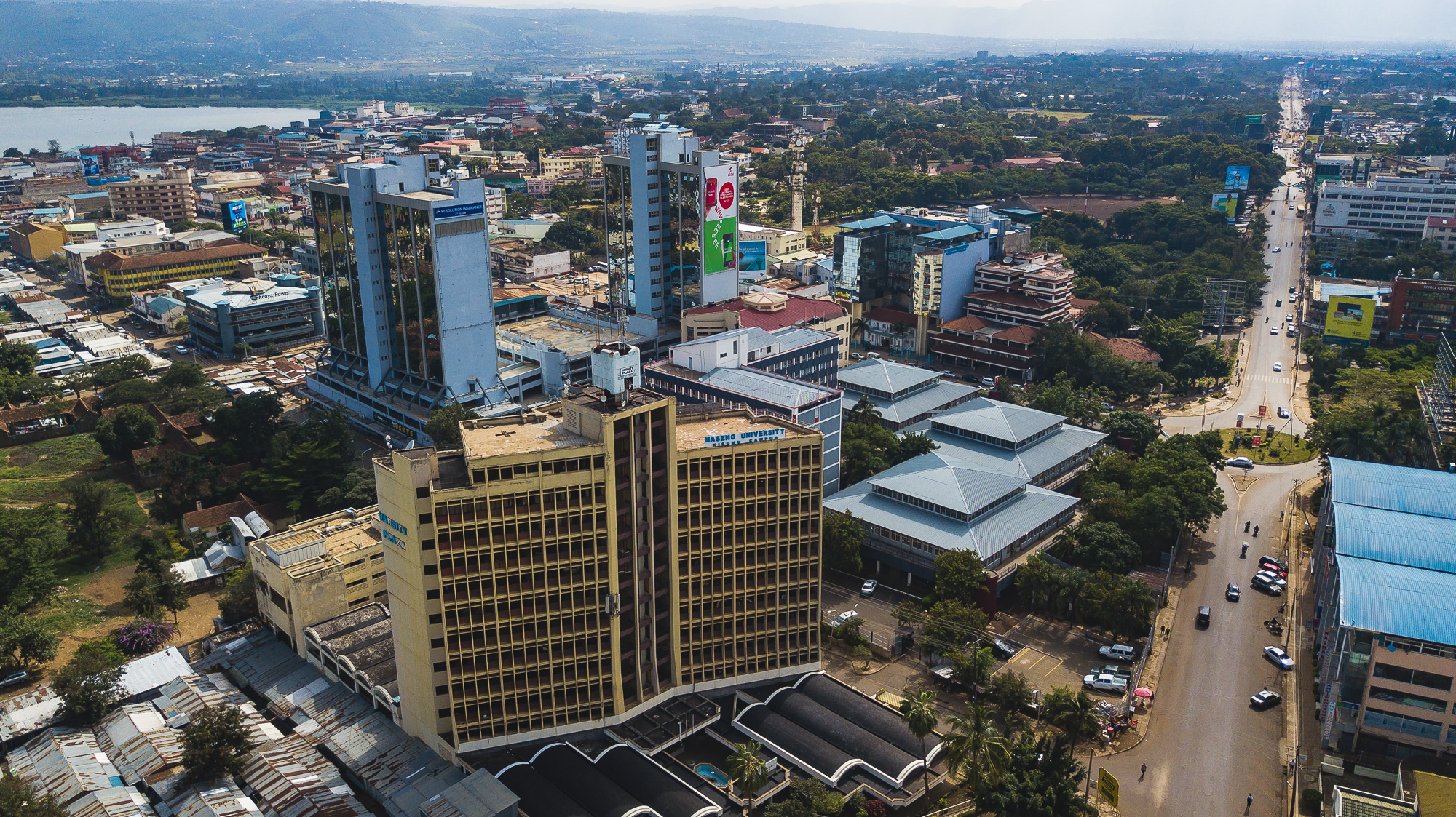 It is located in a building dating from 2015, 15 km from Kenyatta International Conference Centre.